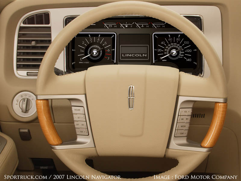 2007 Lincoln Navigator Pictures And Information