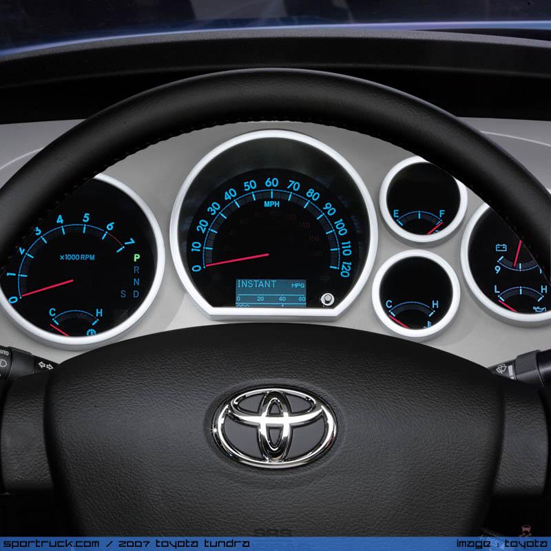 ���� ���� ������ ..2007 Toyota 32.jpg